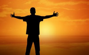 פוסט איזון הצ'אקרות עם קערות קריסטל ומסרים חיובים – לגברים